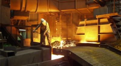 صنعت فولاد بر سر دو راهی زیان